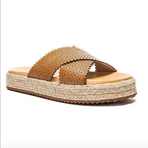 New Matisse slide sandals perforated cognac