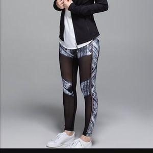 lululemon athletica Pants - NWT Lululemon Hot to street pant leggings 10