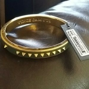 Vince Camuto Jewelry - VINCE CAMUTO GOLD TONE SPIKED HINGED BANGLE
