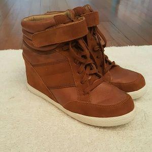 Zigi Soho Shoes - Sale....Zigi soho Sz 10 Leather wedge sneakers