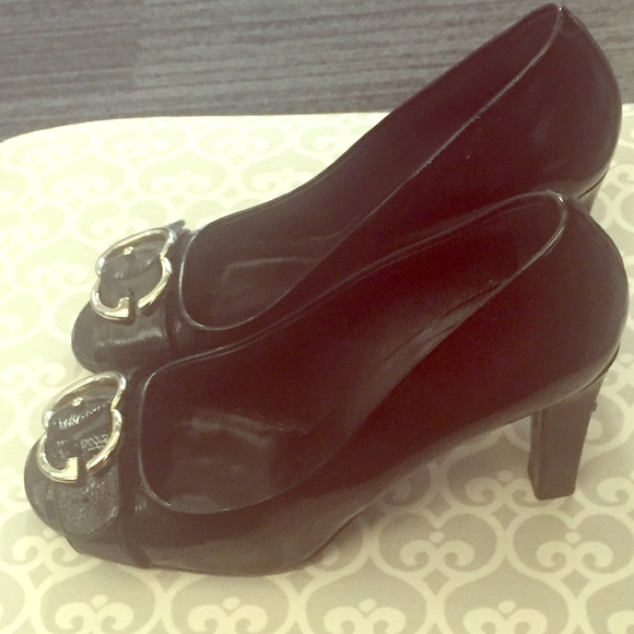 9c5e8c1803a Gucci Shoes - GUCCI Patent Leather Interlocking G Peep Toe Pump