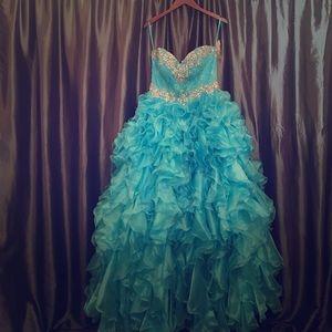 Allure Bridals Dresses & Skirts - Allure Bridals Quinceanera gown
