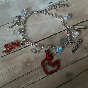 Jewelry - Western style browning charm bracelet