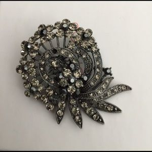 Jewelry - Rhinestone Brooches