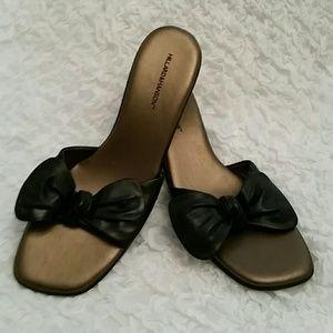 Hillard and Hanson Shoes - Cute bow sandals