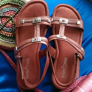 Minnetonka Shoes - Minnetonka  sandals