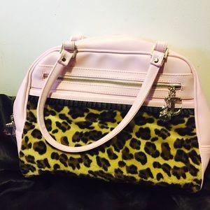 Lux De Ville rare NEW pink leopard anchor purse