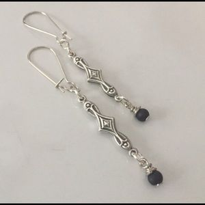 Jewelry - Silver tone straight dangle, small black beads.