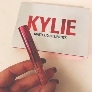 Kylie Cosmetics Apricot Matte Liquid Lipstick