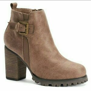 Sugar Ankle Boots - Brown - size 9.5. Barely used!