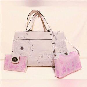 Coach Handbags - COACH 3 piece set. Bag, Clutch&Wallet-