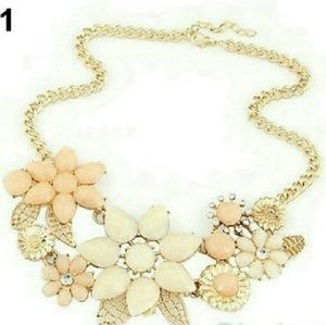 Jewelry - Beige and pink floral gold necklace