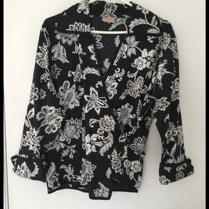 Passport Tops - Black & White Floral Blouse Top -  New - L