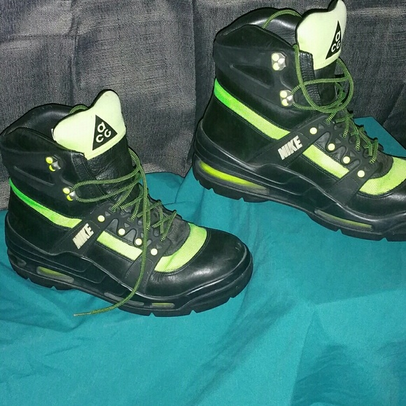timeless design 671e3 8f4f3 Nike ACG SUPERDOME BOOT. M 58ace5da6d64bc4c38017748