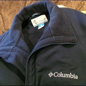 Columbia warm lined Navy winter coat. Size L.