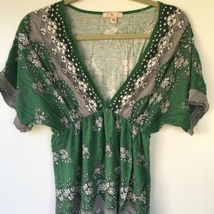Luxe Essentials Apparel Tops - Really beautiful kimono-style shirt