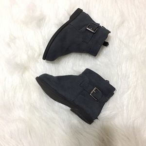 Old Navy Other - Old Navy Toddler Booties size 6