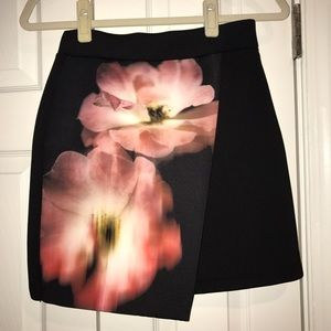 TOP SHOP *Never Worn* black and floral mini skirt