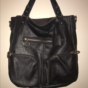 Deena & Ozzy Handbags - Deena and Ozzy faux leather bag--great condition