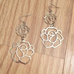 NWOT Silver Rose Earrings