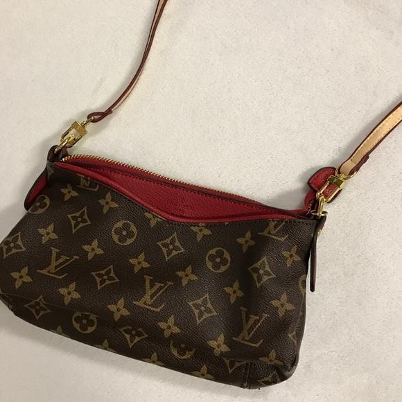 Louis Vuitton Handbags - Louis Vuitton Red Accent Crossbody f1b70253dad56