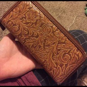 Tilly's Handbags - Tilly's Wallet