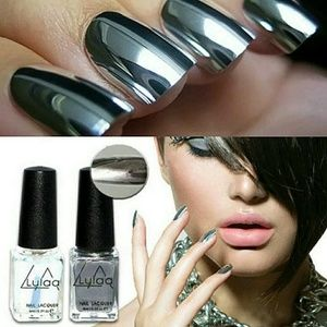 Chrome metallic nail polish