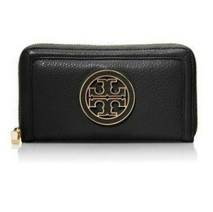 NWT Tory Burch Black Continental Wallet! Authentic