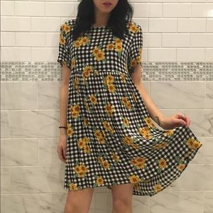 Urban Outfitters Dresses & Skirts - Vintage Plaid Sunflower Dress
