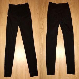 H&M Denim - H&M MAMA Maternity Skinny Black Jeans - size 4