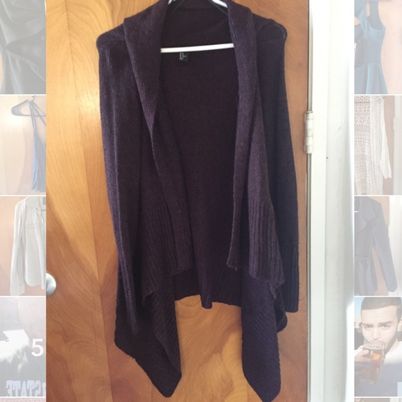 H&M Sweaters - H&M Burgundy thick knit cardigan