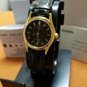 Casio Accessories - Casio ladies watch with warranty and box