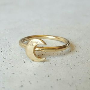 Iconic Legend Jewelry - Crescent moon gold ring