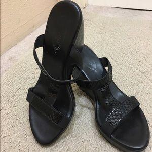 Callisto Shoes - Callisto black stretchy wedge sandal