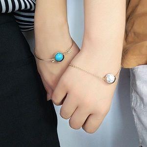 Jewelry - Circle Stone Bracelet