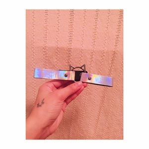 Selling this shiny choker perf for ur night out