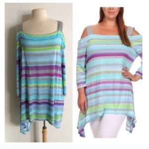 Tops - LAST ONE! (Plus) Striped cold shoulder top