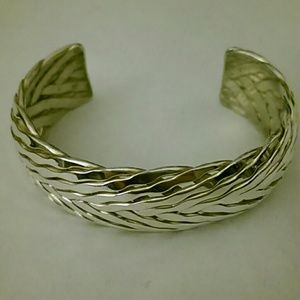 Jewelry - 👑 Sterling Braided Fishtail Cuff