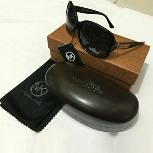 fa6affeb6a Michael Kors Womens Oversized Sunglasses