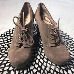 Hinge Shoes - Hinge Suede Closed Toe Laced Up Wedged Heels