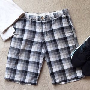 Uniqlo Other - Uniqlo Black, Gray, and White Checker Shorts