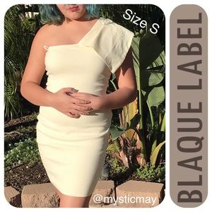 Blaque Label Dresses & Skirts - NWT Buttercream One Shoulder Bodycon Dress Size S