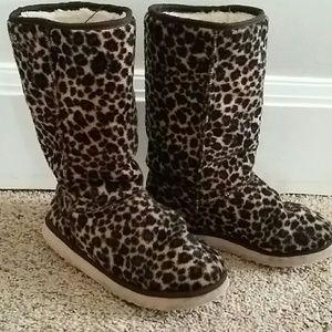 Buffalo London UGG Leopard Boots