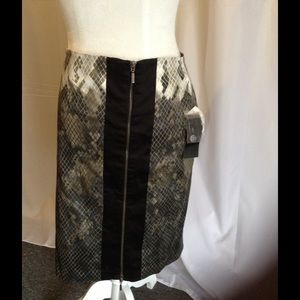 Katherine Barclay Dresses & Skirts - Katherine Barclay snake print pencil skirt size 6