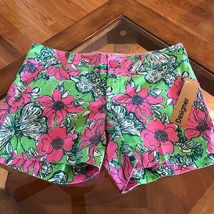 Lilly Pulitzer Pants - Lilly Pulitzer bloomin cacoonin Callahan shorts