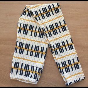 LuLaRoe Pants - Lularoe OS piano leggings (NWOT)