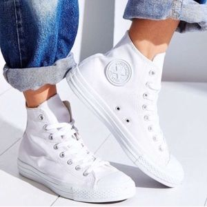 Converse Shoes - 🎉1 HOUR SALE! CONVERSE WOMENS SIZE 11 ALL WHITE