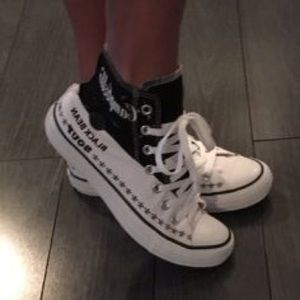 Converse Shoes - ✨ CONVERSE WOMENS SIZE 7 Black/White Andy Warhol