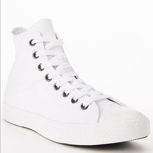 Converse Other - 🎉1 HOUR SALE! CONVERSE MENS SIZE 9 ALL WHITE