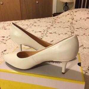 White shoes kitten heels brand new